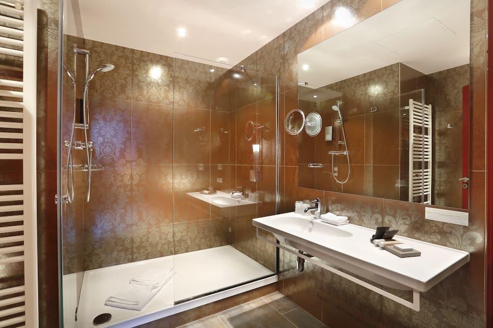 aukštesnės verslo klasės kambarys - Vonios kambarys
