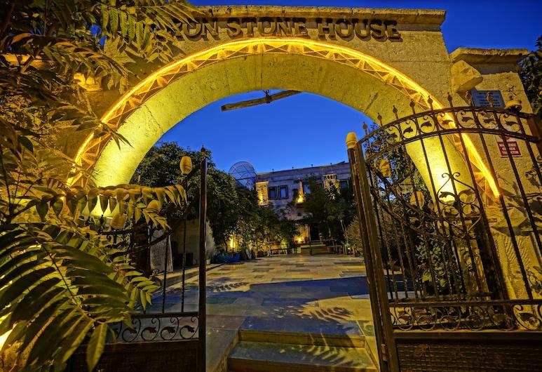 Maron Stone House, Nevsehir, Hotel Front – Evening/Night