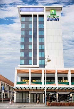 Picture of Holiday Inn Express Adelaide City Centre in Adelaide