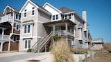 Choose This Beach Hotel in Nags Head -  - Online Room Reservations