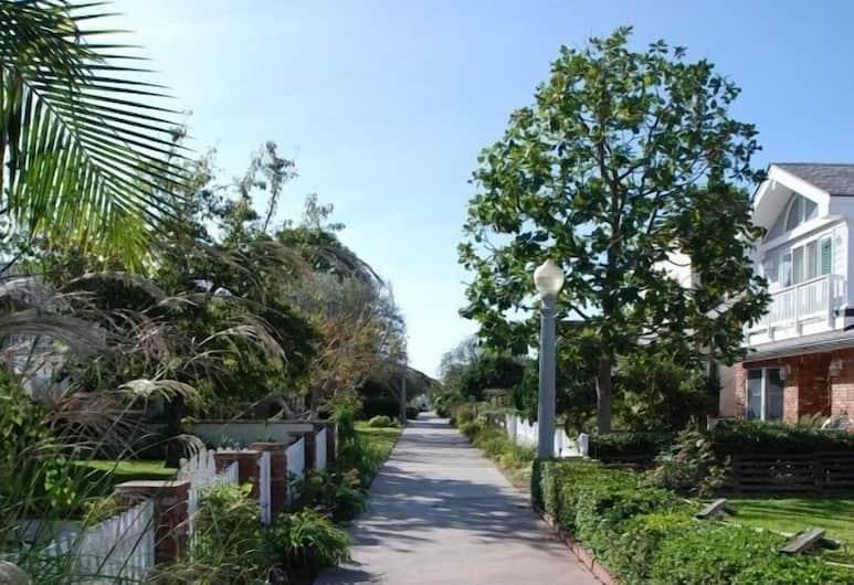 Belvue Lane 68129 by RedAwning, Newport Beach, Otel Sahası