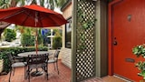 Foto di 201 Ruby by RedAwning a Newport Beach