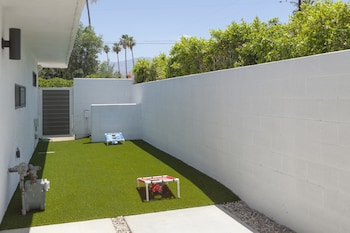 Picture of 3BR 2BA Modern Luxury House by RedAwning in Palm Desert