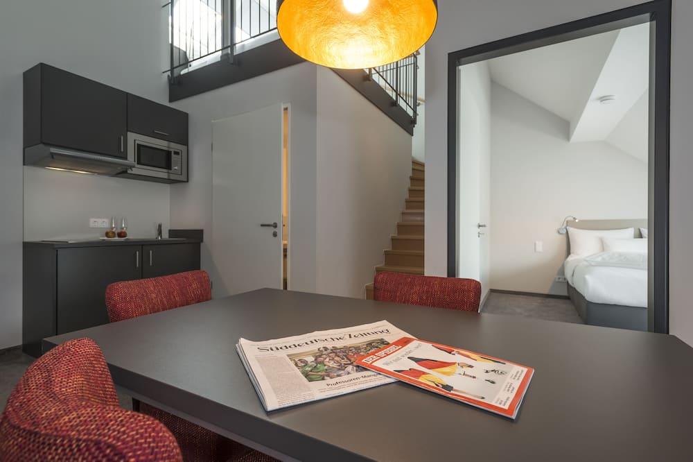 Apartament typu Superior Suite, 2 sypialnie, balkon - Wyżywienie w pokoju
