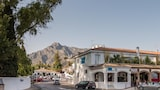 Choose This 1 Star Hotel In Marbella