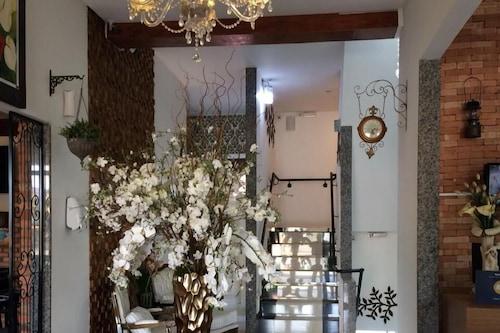 森納多爾飯店/