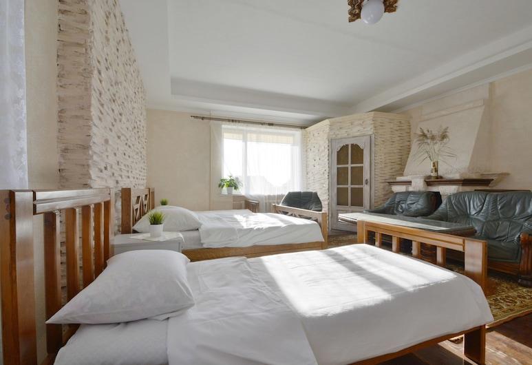 Aparton Hotel Brest, Brest, Familienzimmer, Kamin, Zimmer
