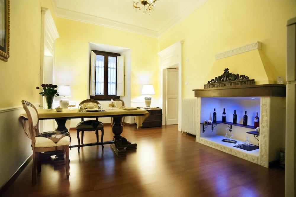 Palazzo Salini Luxury B&B, Sulmona