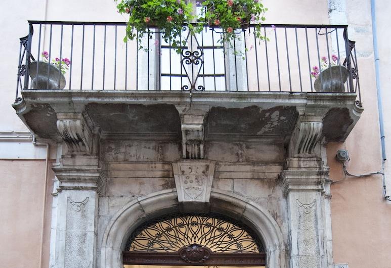 Palazzo Salini Luxury B&B, Sulmona, Hotel Entrance