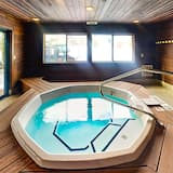 Kooperatīva tūristu mītne, četras guļamistabas - Iekštelpu spa vanna