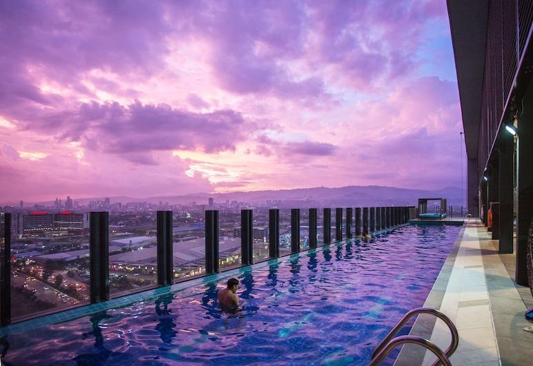 バイ ホテル セブ, マンダウエ, 屋外プール