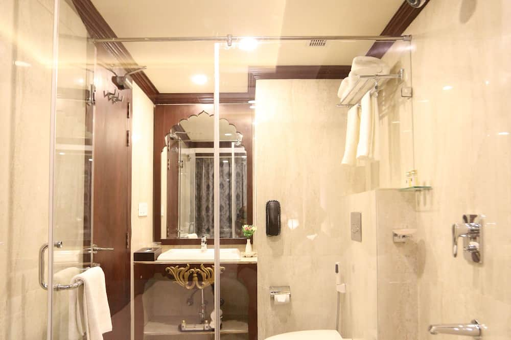 Standard Room, 1 Double Bed, Smoking - Bathroom