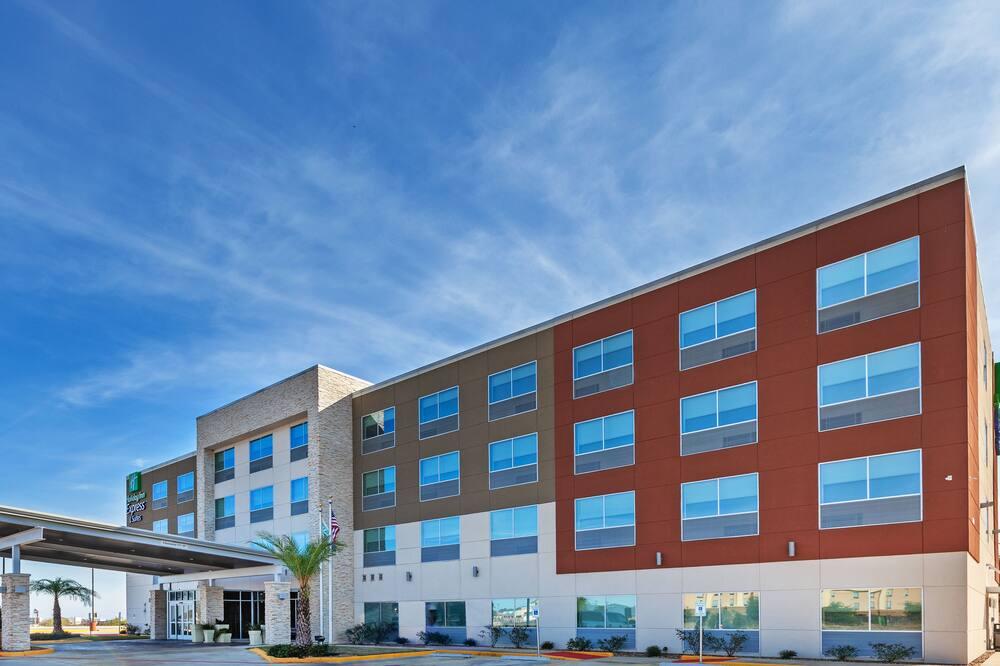 Holiday Inn Express & Suites Brenham South, an IHG Hotel