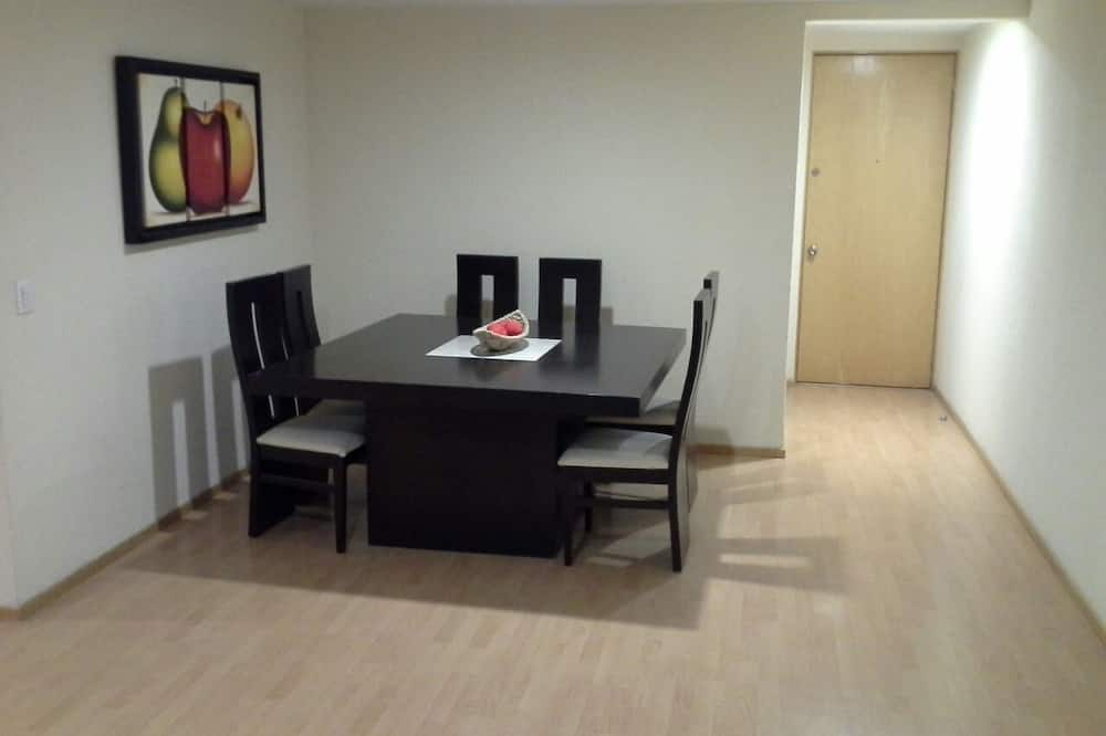City Condo, 3 Bedrooms, Kitchen - In-Room Dining