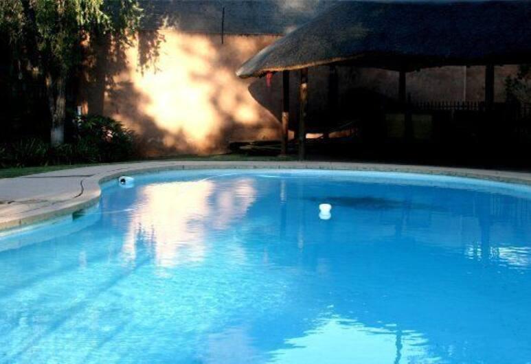 Falling Feather Inn, Pretoria, Outdoor Pool