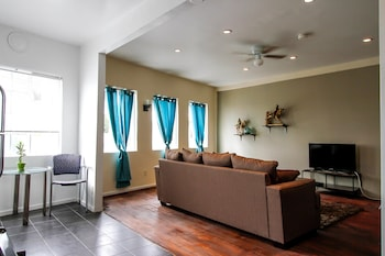Foto Furnished Los Angeles Apartments di Los Angeles