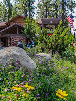 תמונה של The Lodge at Lake Tahoe, a VRI Resort בדרום אגם טאהו