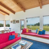 House, 2 Bedrooms, Patio (Iris) - Living Area