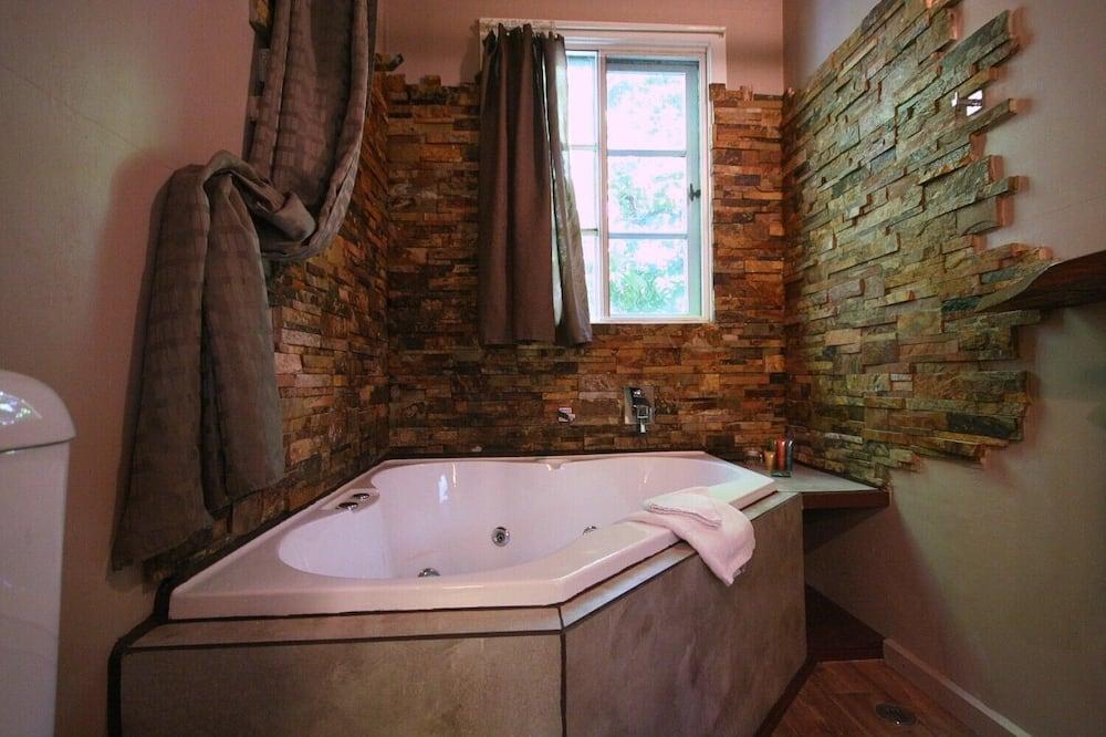 Romantik-feriehus (Charmed Cabin) - Badeværelse