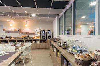 Picture of Nemea Appart Hotel Residence Quai Victor in Tours