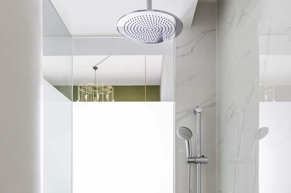 Habitación familiar - Ducha en el baño