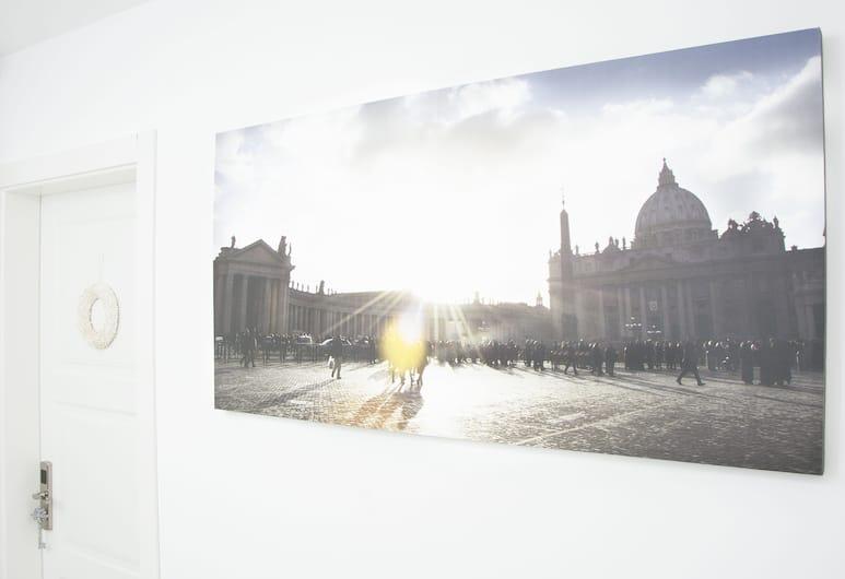 جينز كلاوديا فاتيكان لاكشري أبارتمنتس, Rome, المدخل