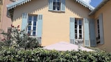 Choose this Villa in Cannes - Online Room Reservations