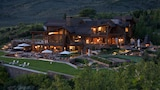 Choose This Luxury Hotel in Snowmass Village