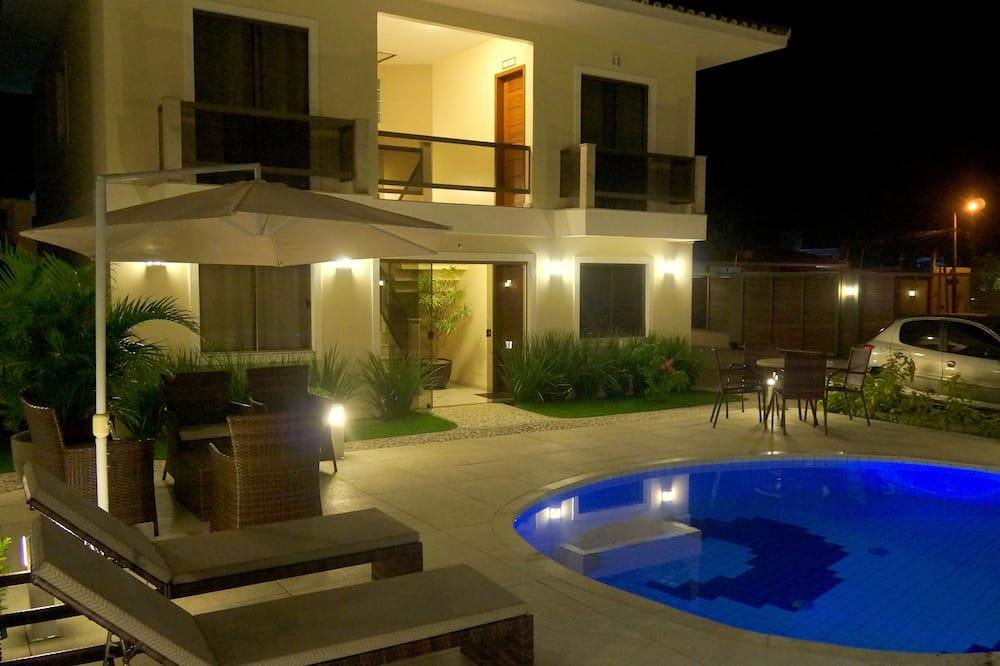 Dvojposchodový apartmán typu Deluxe - Vonkajší bazén