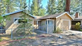 Picture of Charming 3BR Tahoe Home Prime Spot Short Walk to Regan Beach by RedAwning in South Lake Tahoe