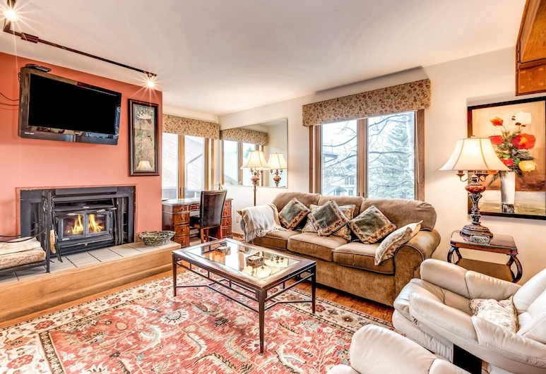 Stylish Steamboat Springs Condo by RedAwning, Steamboat Springs