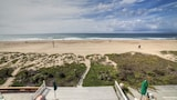 Foto di Oceanfront Stunner in Sunset Beach by RedAwning a Huntington Beach