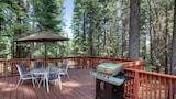 Foto di Mountain Comfort in the Pines by RedAwning a Truckee