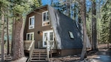 Choose this Cottages in Truckee - Online Room Reservations
