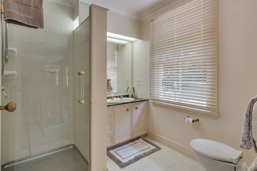 Suite, Private Bathroom (Suite 1) - Bathroom