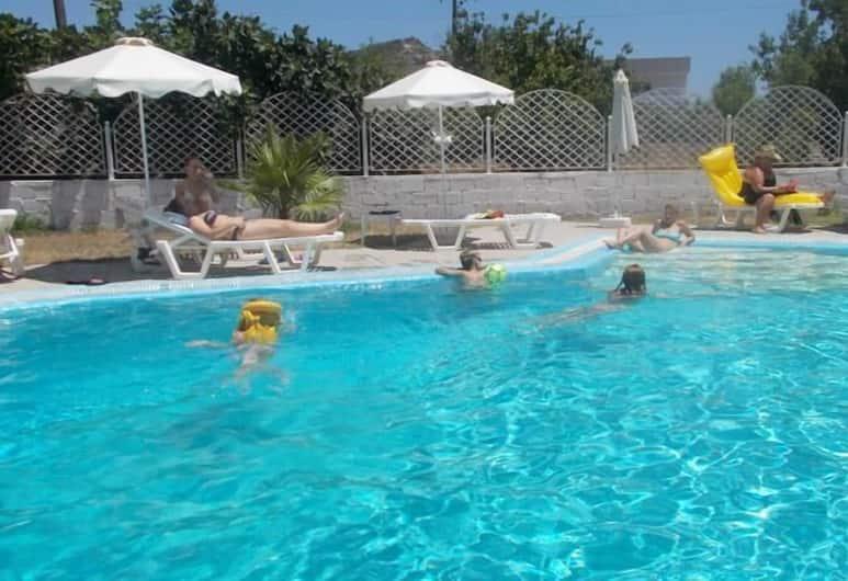 Dolphin Apartments, Rodosz, Kültéri medence