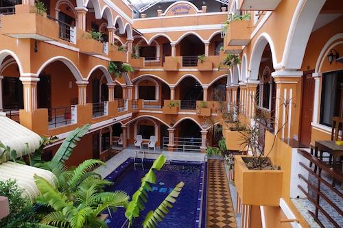 โรงแรมเอเพ็กซ์