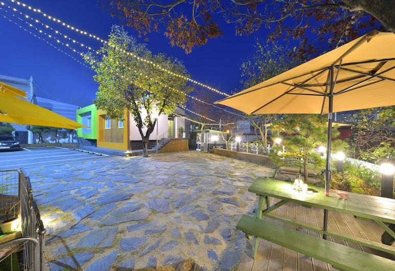 和你旅館飯店, 束草, 飯店入口 - 夜景
