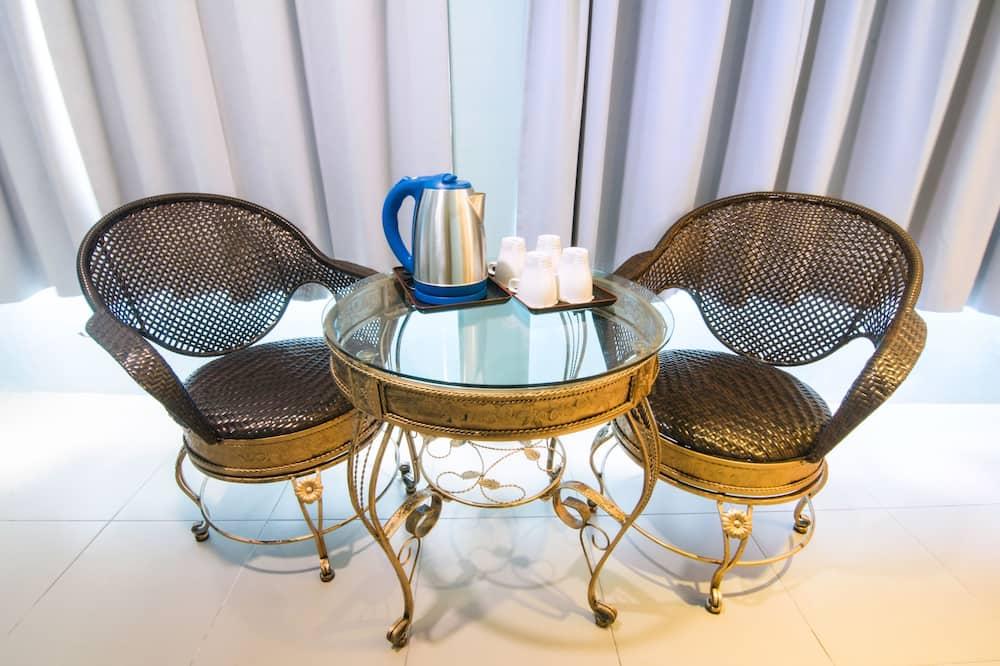 Family Quadruple Deluxe Room  - In-Room Dining