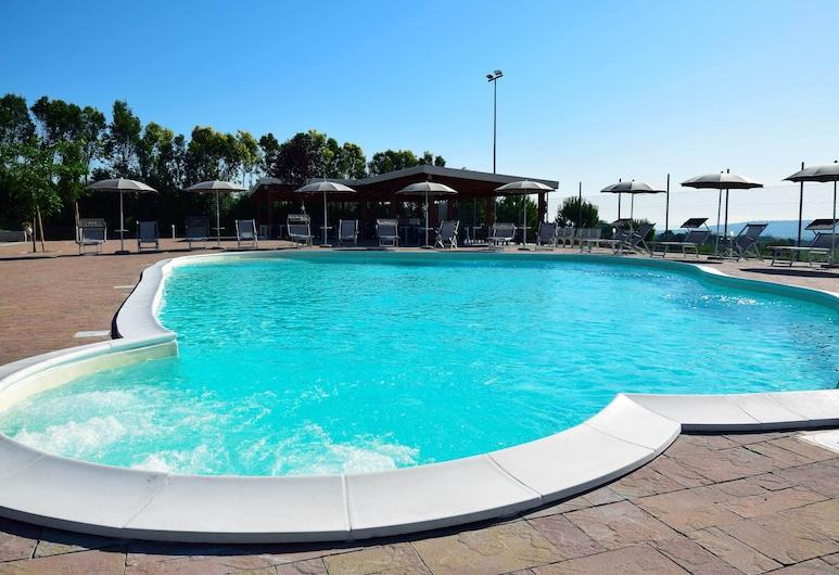 Hotel Residence Eden, מוצגרוניה, בריכה חיצונית