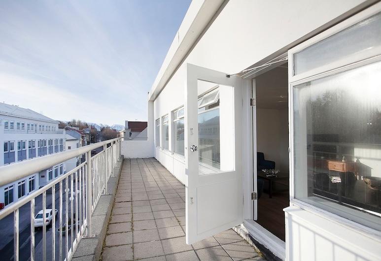 Apotek Guesthouse, Akureyri, Þakíbúð - 3 svefnherbergi, Verönd/bakgarður
