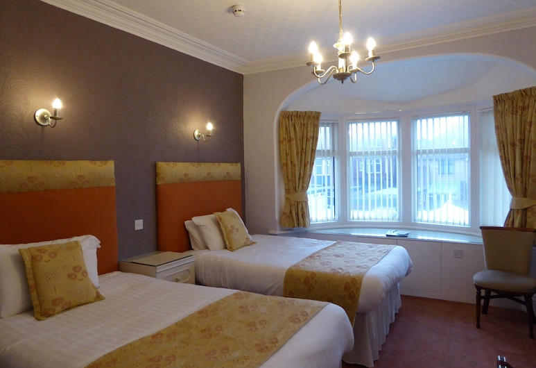 The Berwick - Over 40's Only, Blackpool, Superior Twin Room, Guest Room