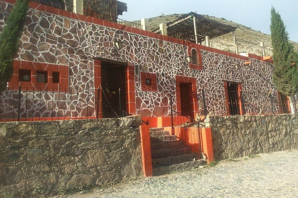 Hotel Marakame