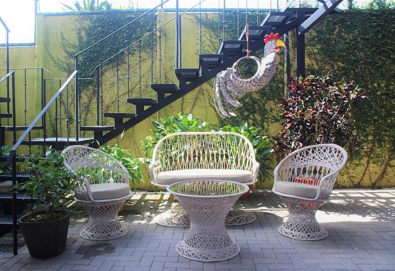 Ruta Verde House, Alajuela, Suite estudio Deluxe, 1 habitación, baño privado, planta baja, Terraza o patio