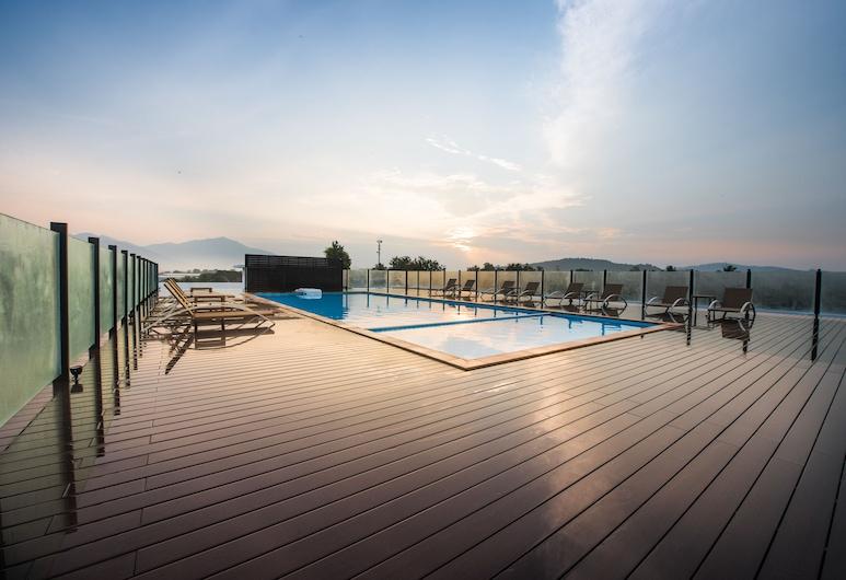 The Smith House, Langkawi, Bazén na streche