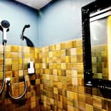 Triple room with private bathroom - Bathroom