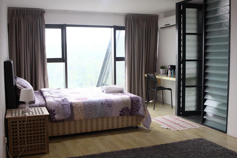 Dvoupodlažní apartmá typu Comfort, dvojlůžko (180 cm) a rozkládací pohovka, kuchyně, výhled na město - Obývací pokoj