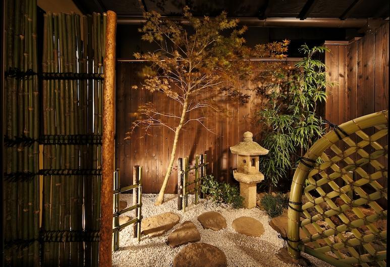 Rinn Kujofujinoki EAST, Kyoto, Garden