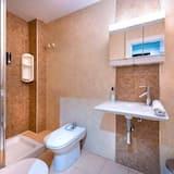 Standard Apartment, 2 Bedrooms, 2 Bathrooms, City View - Bathroom