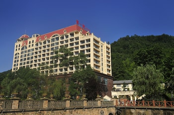 Picture of Huashuiwan No.1 Hot Springs Hotel in Chengdu